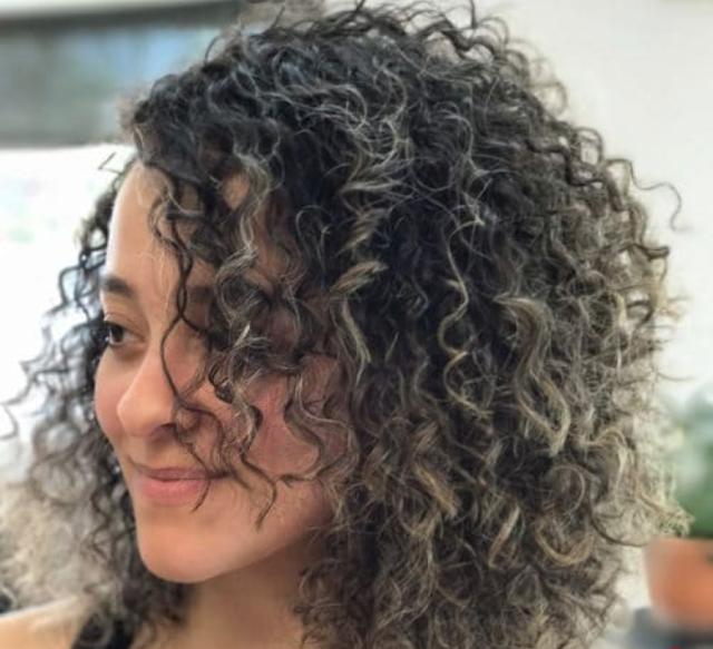 curly bob hair style