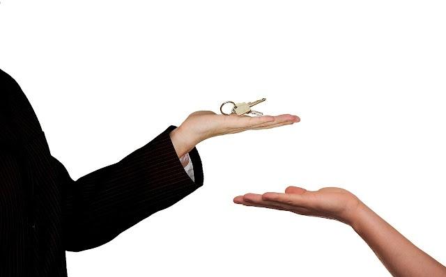 Perché non riusciamo a vendere casa come privati? Ecco i motivi