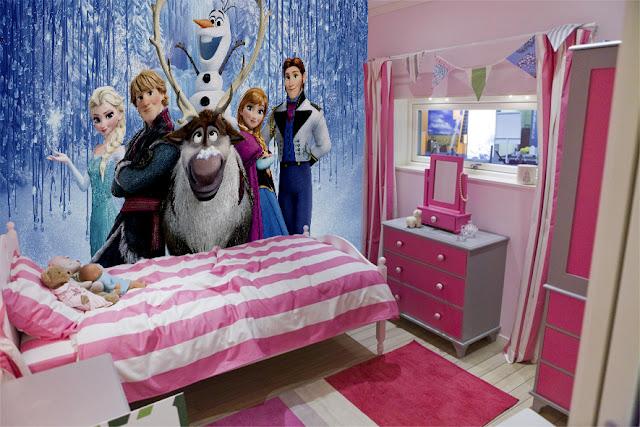 Disney tapet frost fototapet barnrum tjejtapet fondvägg tjejrum