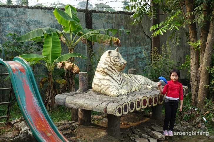 taman buaya indonesia jaya bekasi