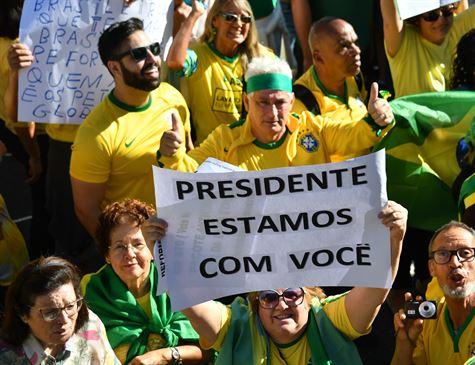 Atos exaltam Moro e Guedes, pais de reformas do governo