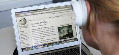 wikipedia phat trien he thong thong tin bang giong noi