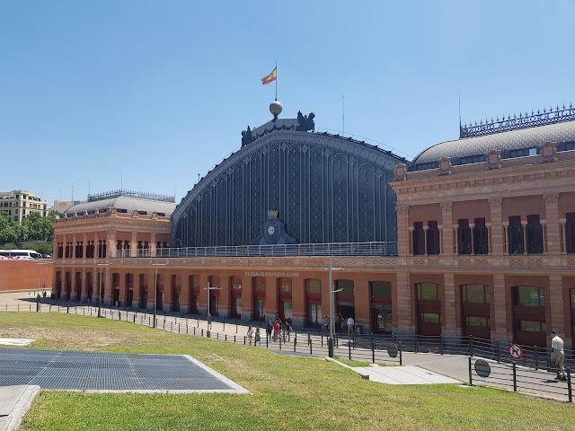 Estación de trenes de Atocha en Madrid, España