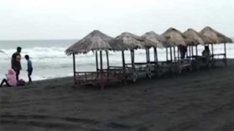 Saung Pantai Dewa Ruci