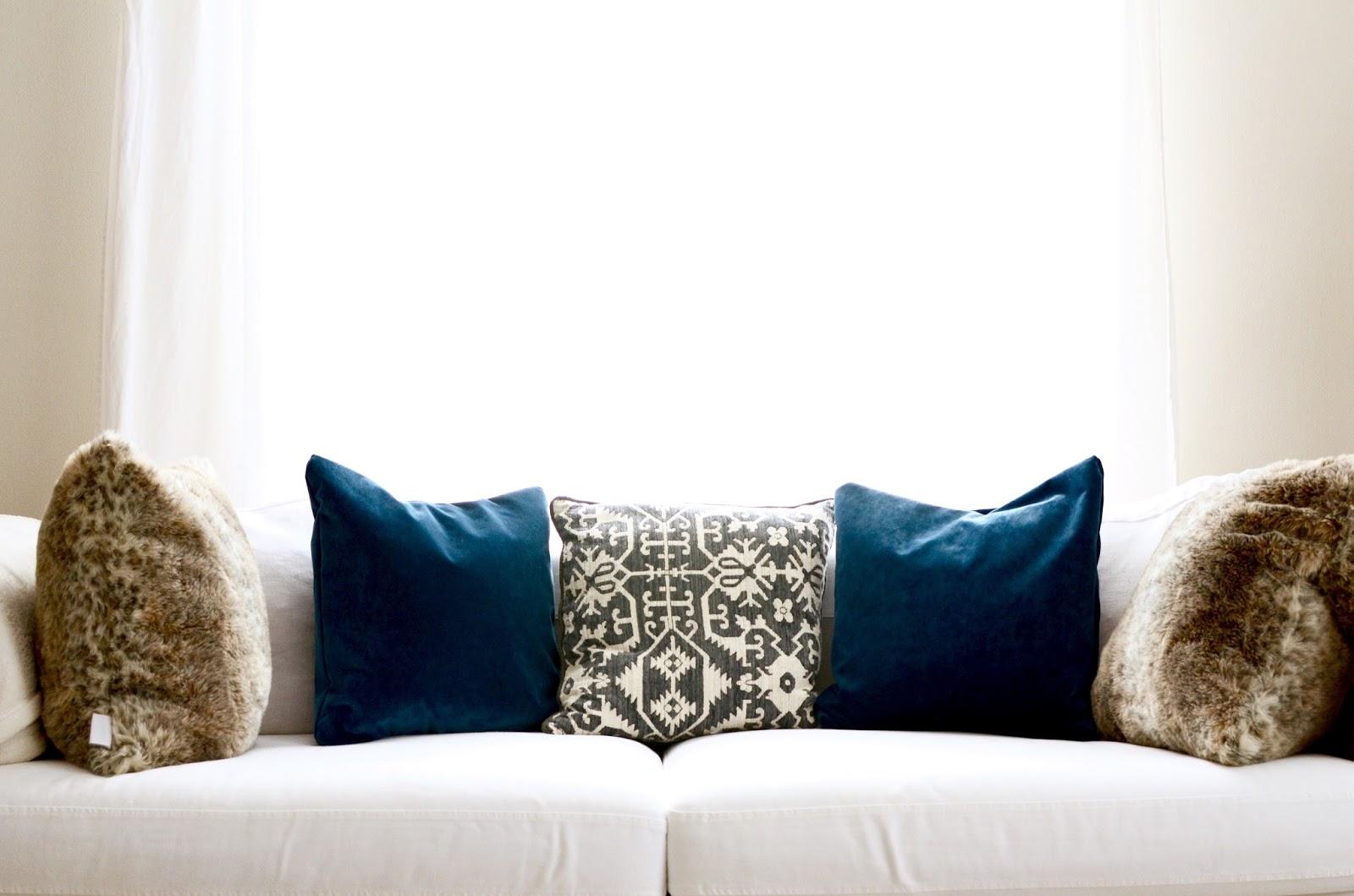 blue velvet in the living room by