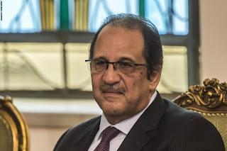 محمد الباز ينفي شائعات إصابة اللواء عباس كامل بفيروس كورونا