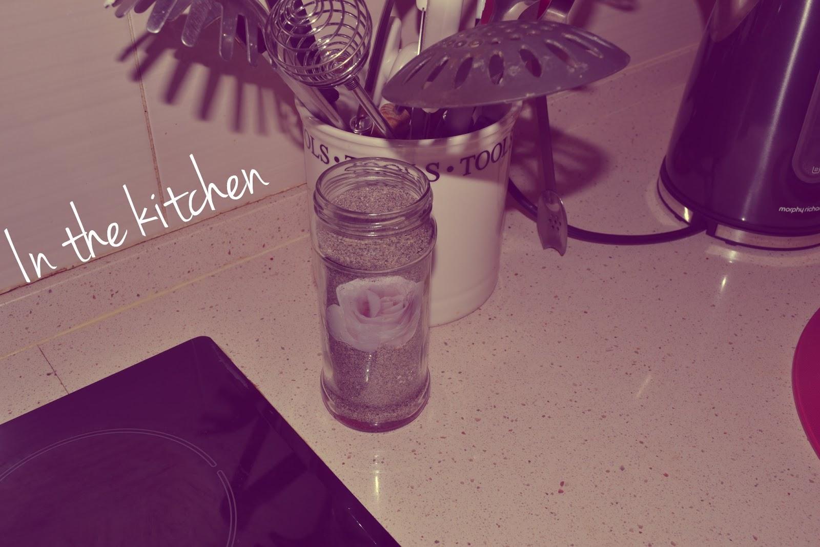DIY: sand jar | Love, Maisie