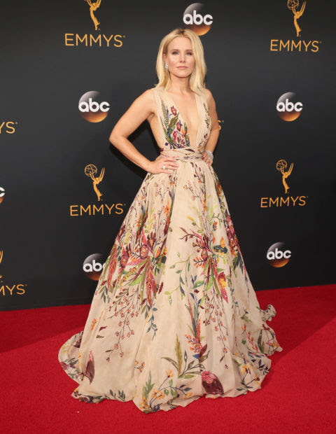 TOP 10 BEST DRESSED AT 2016 EMMYS RED CARPET