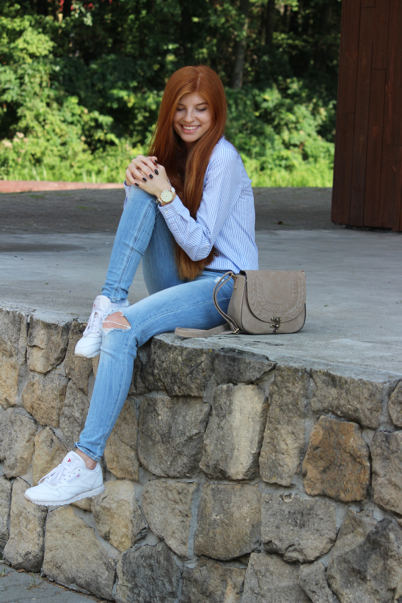 Błękitna koszula + Reebok Classic