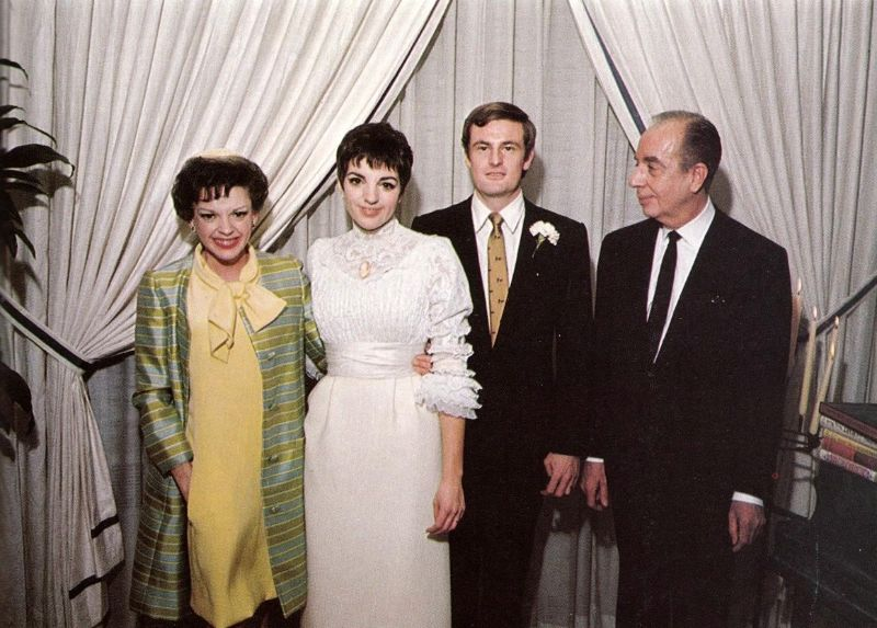 Photos of Peter Allen and Liza Minnelli on Their Wedding Day in New York City in 1967