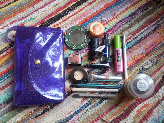 MY EVERYDAY MAKEUP KIT inc Lush, Topshop, Sleek & The Body Shop