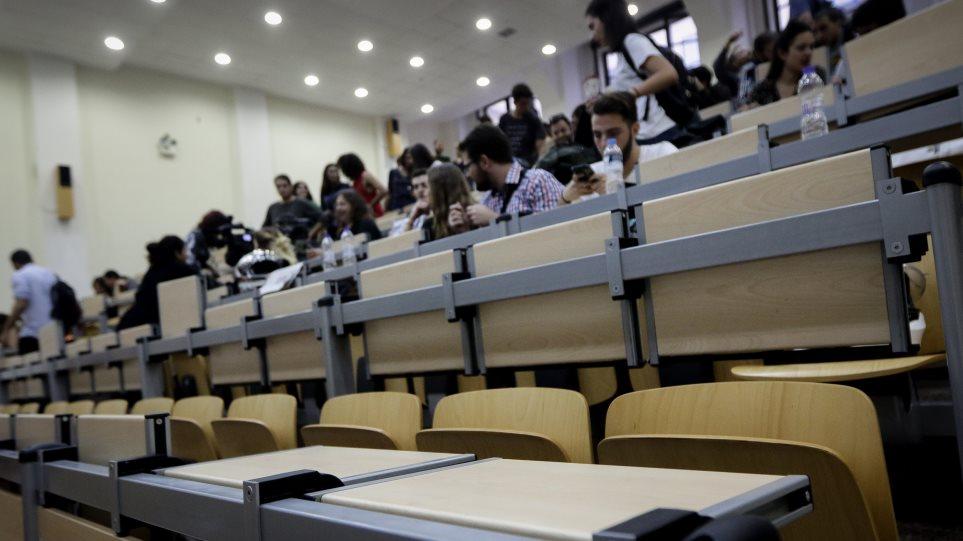 Κεραμέως: Τα Πανεπιστήμια θα ορίζουν την ελάχιστη βάση εισόδου