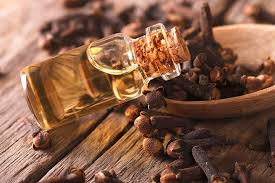 Clove oil is attached to the skin to treat every problem