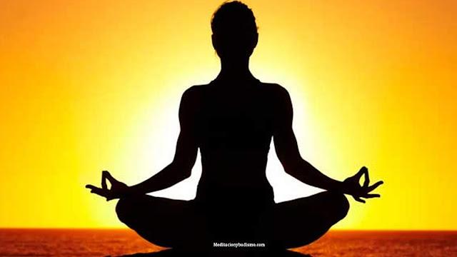 Las 4 mejores posturas de Yoga para una concentración perfecta