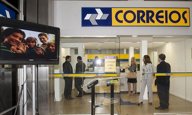 """Paulo Guedes: """"Privatização da Eletrobras está dada. Vem aí os Correios"""""""