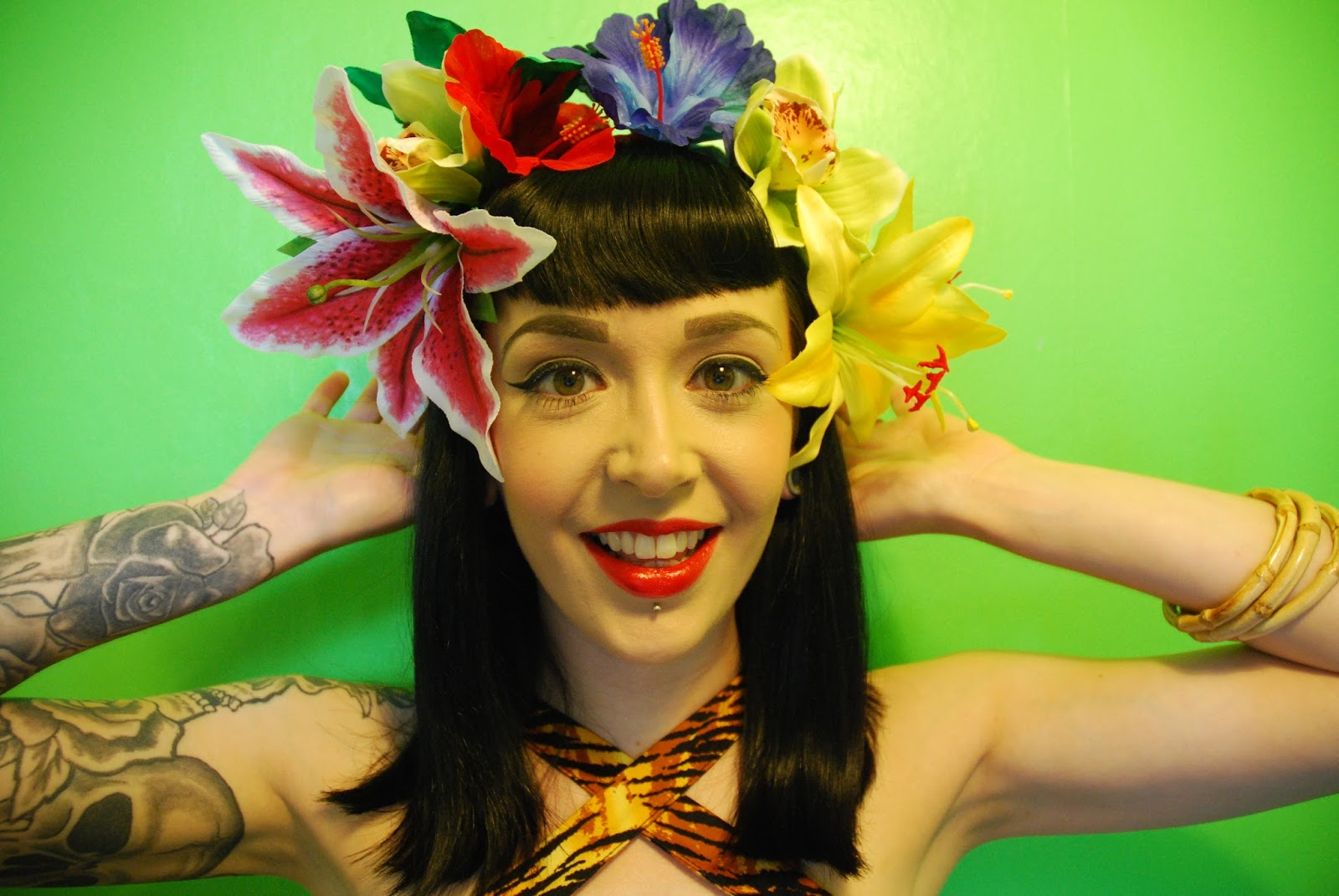 Little miss doo wop pin up rockabilly and vintage fashion and pinup and rockabilly hair flowers from lady lucks boutique mightylinksfo