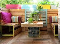 Simple DIY small backyard patio design