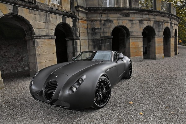 Wiesmann Roadster MF5 V10 un auto de lujo.