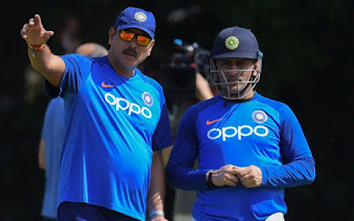 dhoni-will-retire-from-one-day-shastri