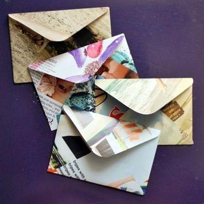 Sobres reciclados, hechos con revistas viejas