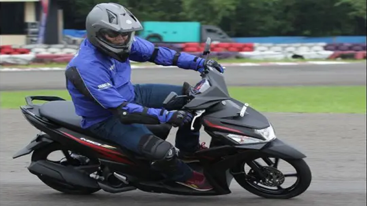 Tips Mengatur Posisi Berkendara Sepeda Motor yang Nyaman dan Aman
