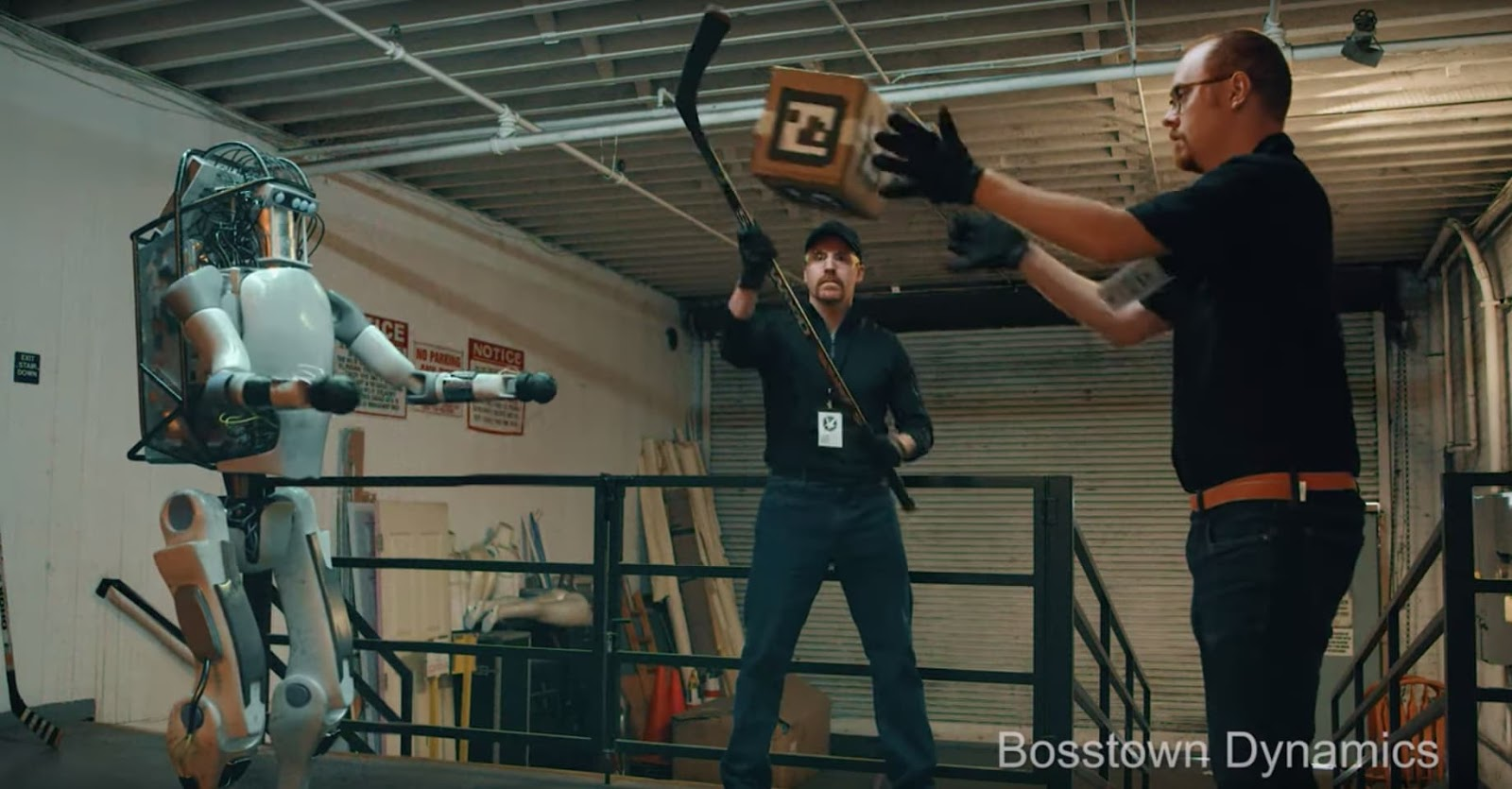 Boston Dynamics, Corridor, Prank, Fake Video, Bosstown Dynamics, Roboter, Virales