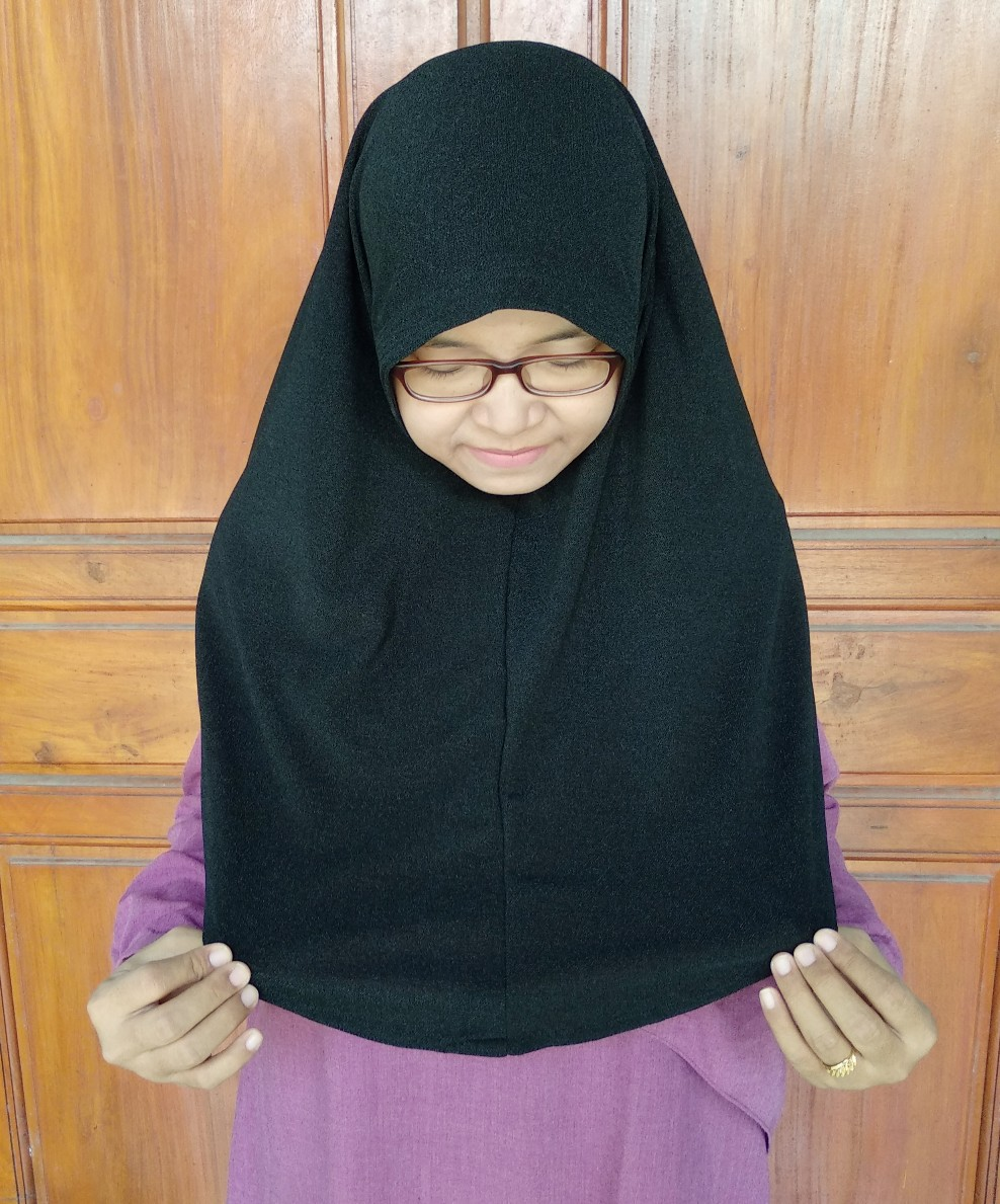 hijab tidak menerawang