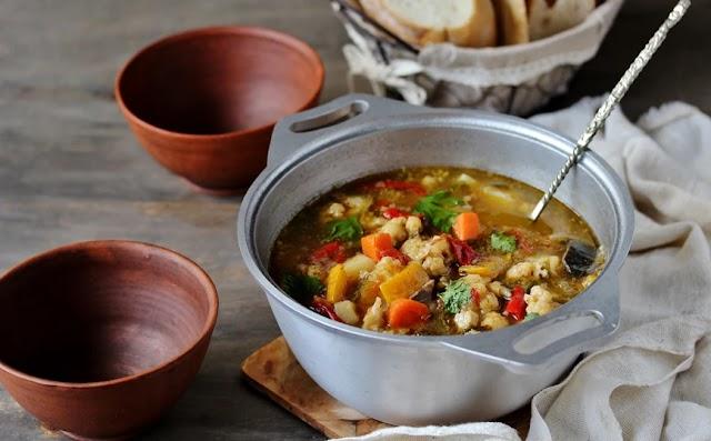 Σούπα μινεστρόνε με καλοκαιρινά λαχανικά