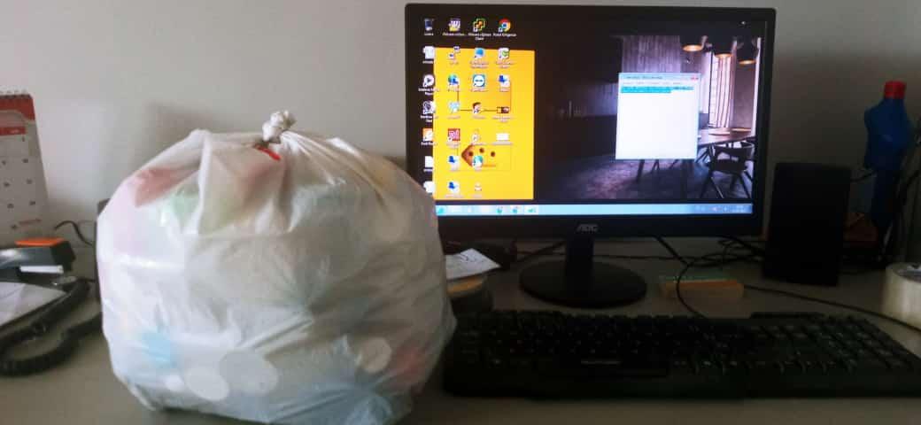 Recebemos mais um pouco de tampas plásticas para o Grupo Umbrella de Apoio aos Protetores de Animais na B.Lux