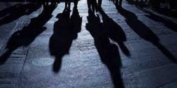 কালারমার ছড়ায় রাতে ডাকাতি করে ফেরার পথে এক ডাকাতকে আটক করেছে জনতা