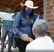 """Caminhada do """"12"""" mostra a força política de Edina Fontes no Povoado São Manoel"""