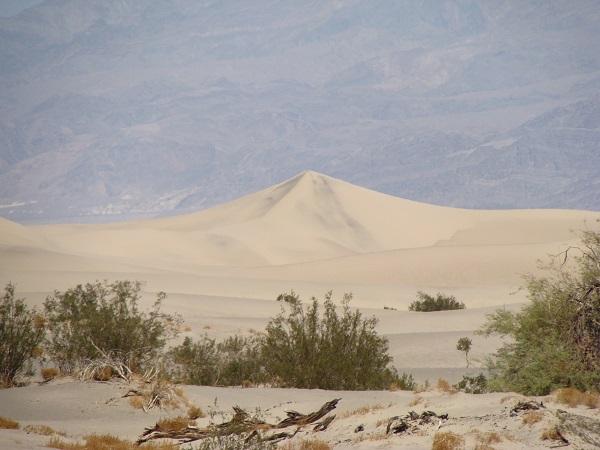 Fahrt durch das Death Valley in Richtung Las Vegas 2010