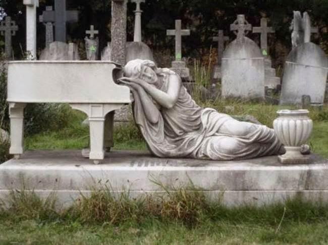 11110 foto [FOTO] Kuburan Paling Aneh dan Unik