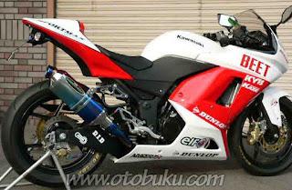 Foto Motor Kawasaki Ninja dengan Foto Knalpot Nassert Beet
