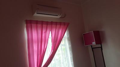 Kemudahan Bilik Tidur ke 2 Homestay Hj Esmon Parit Raja Johor