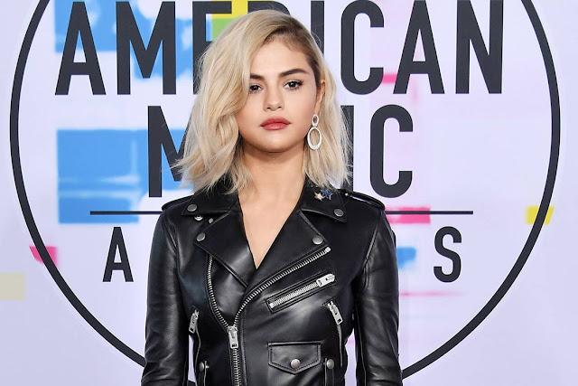 Novo Visual de Selena Gomez e sua volta aos palcos no AMA