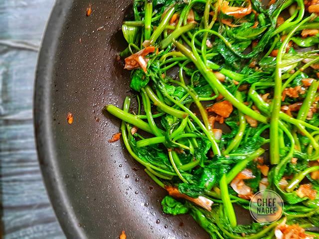 සුදු ළුණු කංකුන් හදමු (Garlic Kangkong) - Your Choice Way