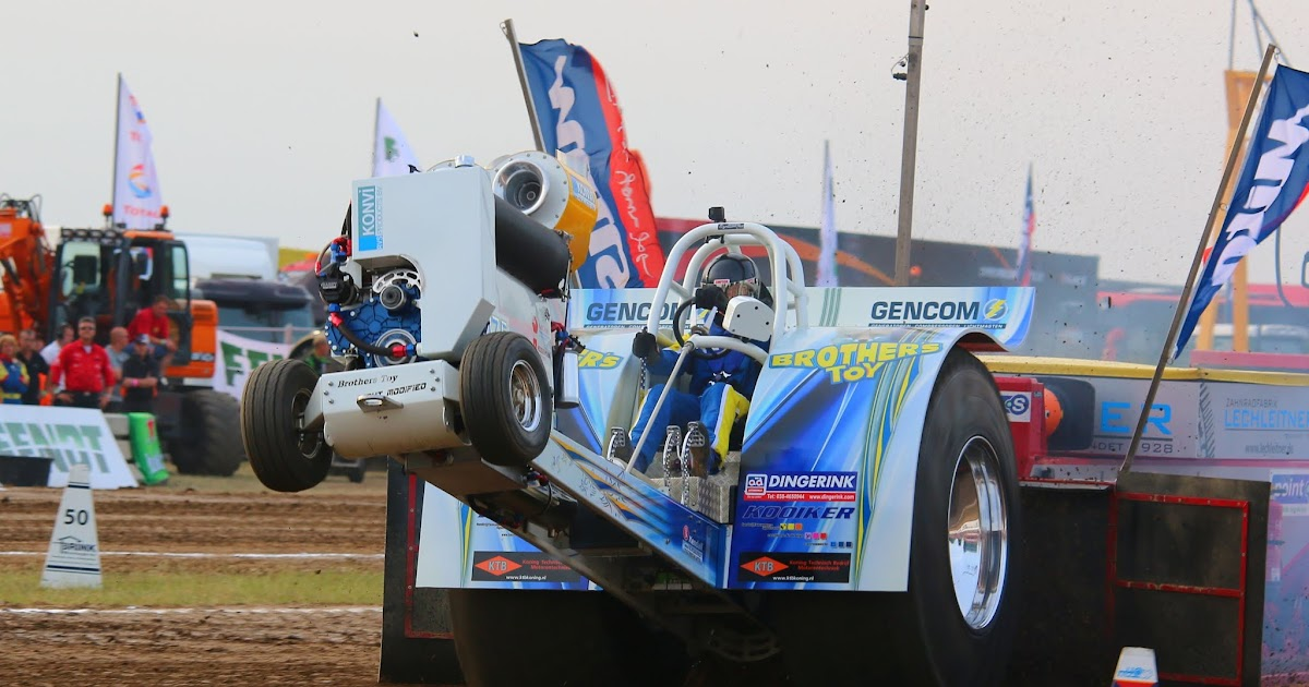 Super Stock Tractor Pulling Engines : Tractor pulling news pullingworld brothers toy
