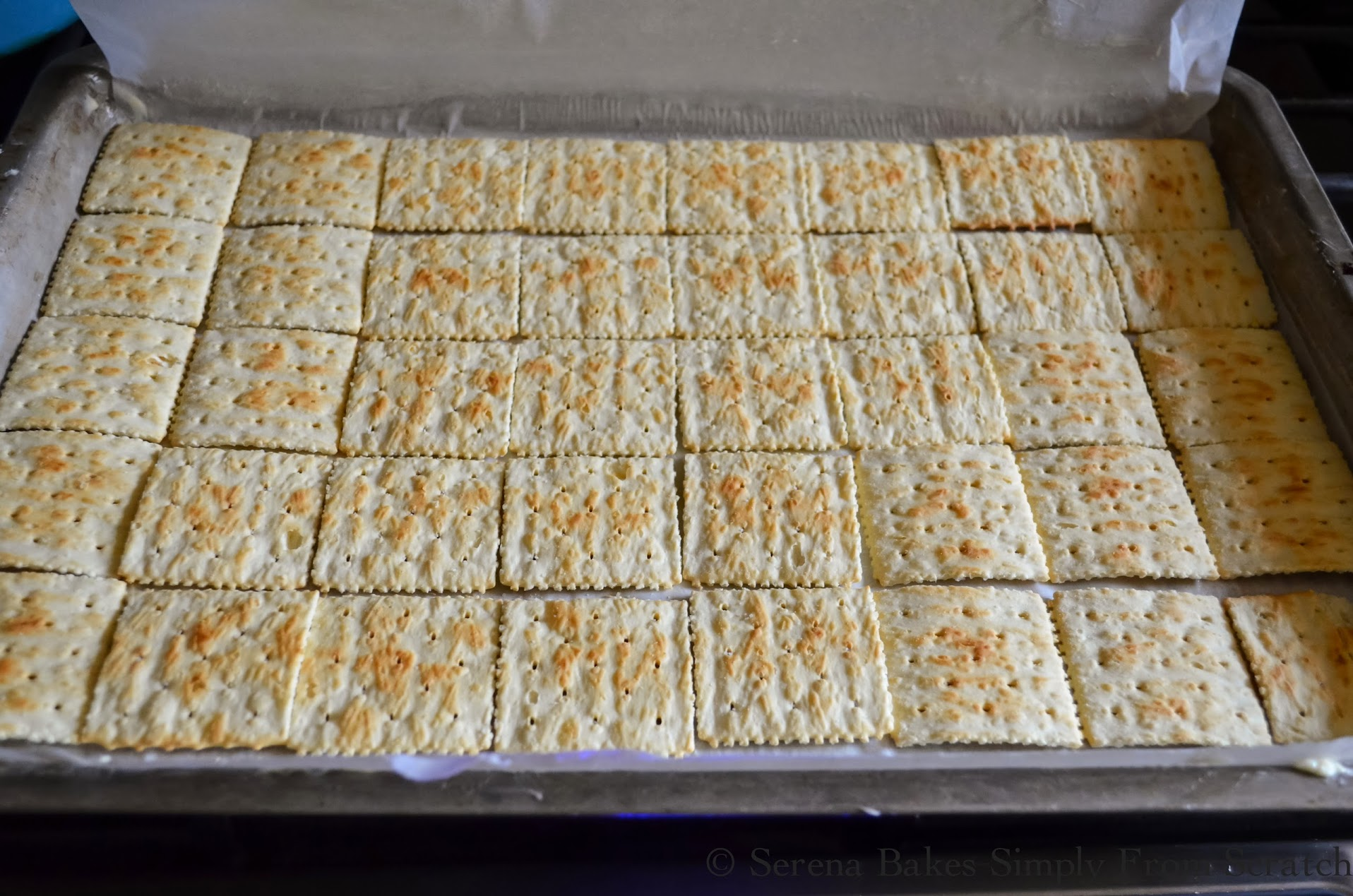 Saltine-Toffee-Crackers.jpg