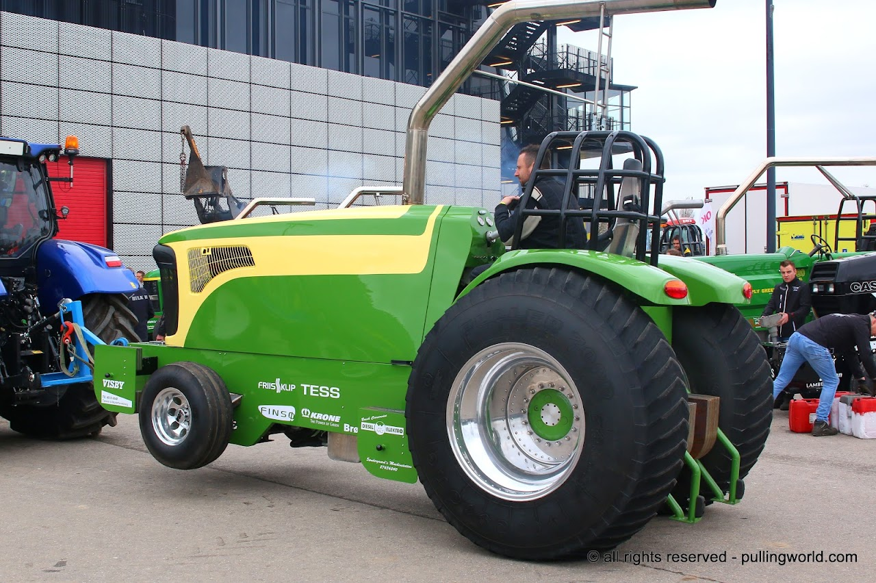 Pulling Tractors For Sale >> Tractor Pulling News Pullingworld Com