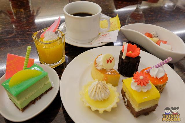 dessert pastry plate