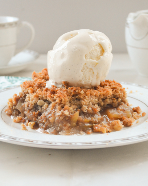 Apple Crisp Recipe With a Large Scoop Of Vanilla Ice Cream