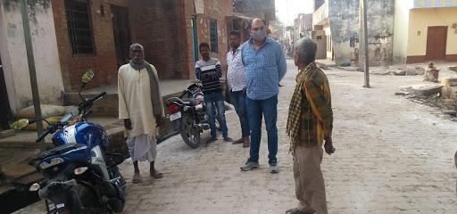 मोहल्ले की साफ सफाई के लिए अधिशासी अधिकारी को चेयरमैन ने दिए सख्त निर्देश
