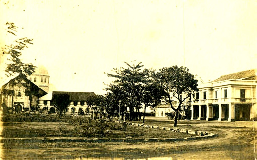 The church in Batangas early during the American colonial era.  Image source;  the Sandra Plummer Collection of the Fort Worth Digital Library.