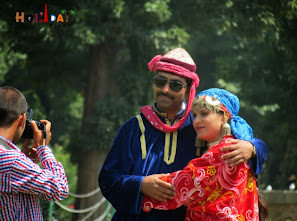 Couple getting clicked in ethnic dress
