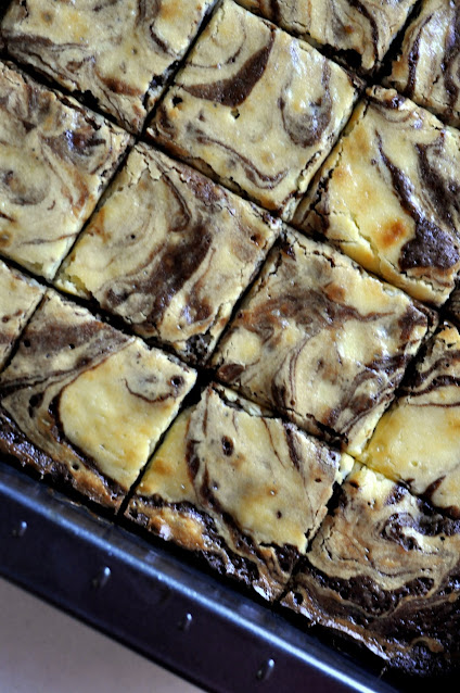 Chocolate-Chip-Marble-Brownies-tasteasyougo.com