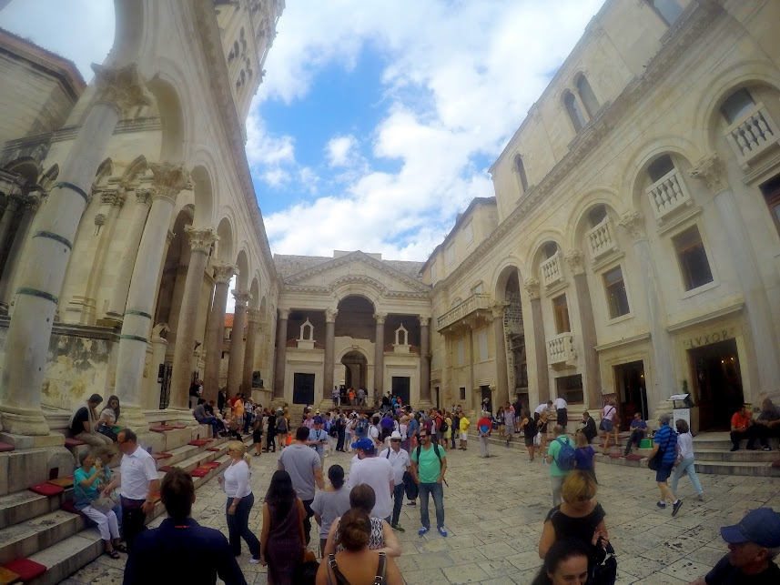 game of thrones tour, split