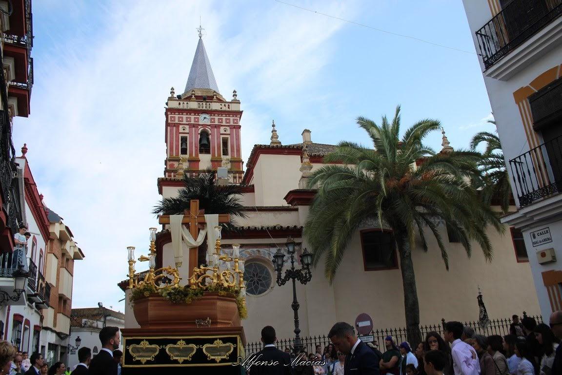 Procesión de la Cruz del Barrio 2018 por las calles de Valverde del Camino