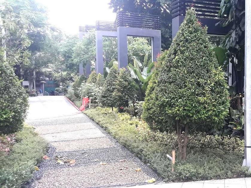 Nama Taman Bungkul diambil dari Sunan Bungkul alias Ki Ageng Supo