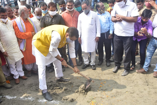 जल शक्ति मंत्री ने किया नहरों की सिल्ट सफाई अभियान का शुभारंभ